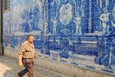More blue tile in Porto