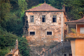 One of hundreds of beautiful, apparently unmaintained buildings along the Douro river